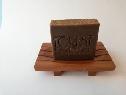 forest fragrances - zeep - kruidenzeep - cederhout patchouli rozemarijn - kruiden zeep - zeepschaaltje