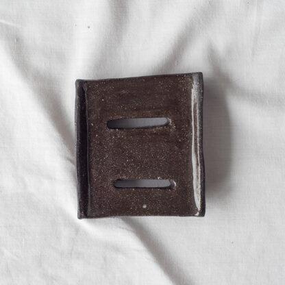 forest fragrances - accessoires - zeepschaaltje - keramiek - rechthoek - bruin - glanzend