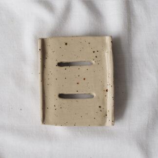 forest fragrances - accessoires - zeepschaaltje - keramiek - rechthoek - creme - spikkels - glanzend
