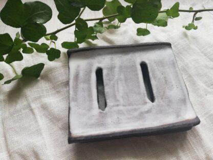 forest fragrances - accessoires - zeepschaaltje - rechthoek - wit - grijs - bovenkant